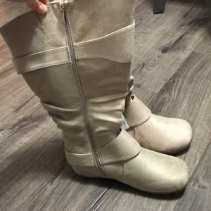 Tan suede Boots!